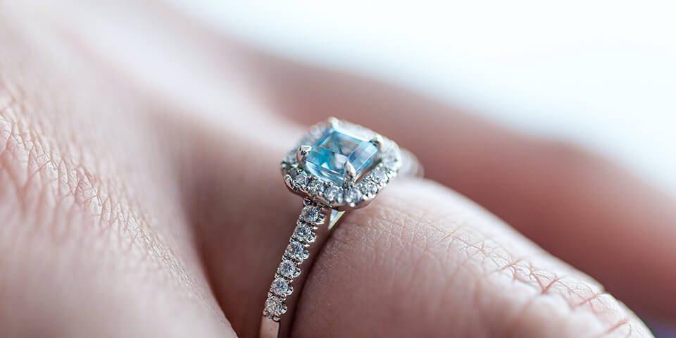 急需用錢怎麼辦?專業鑽石收購幫你回收鑽石戒指!