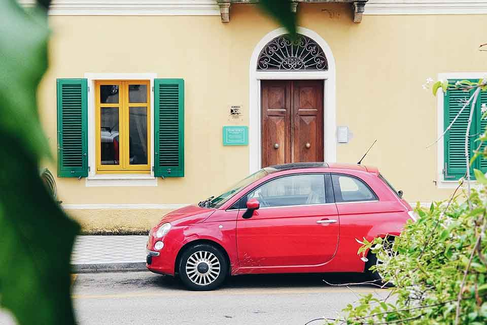 哪裡的汽車貸款利率比較低?除了利率還有這3點也很重要!